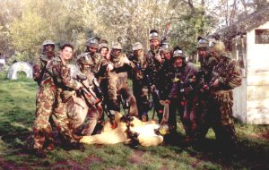 Paintball-Pilot: Spielfeld-Details: Maasbree Niederlande: Dike Farm Paintball Games: Bilder